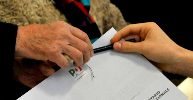Regionali, Pd lancia primarie coalizione con Sel. E ignora scontro Renzi-Vendola