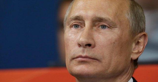 """Ucraina, Putin scarica Yanukovich. E i """"terroristi"""" diventano """"attivisti"""""""
