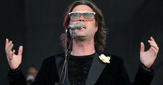 """Festival Sanremo 2014, Papaboys contro Rai per Rufus Wainwright. """"E' blasfemo"""""""