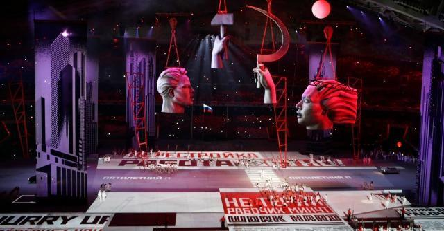 Sochi 2014, al via i Giochi di Putin: la storia russa con i fuochi d'artificio