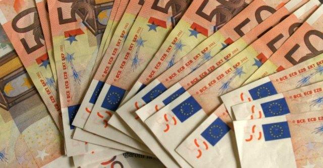 Regione Campania, spese pazze: a De Flaviis (Ncd) il record con 96mila euro