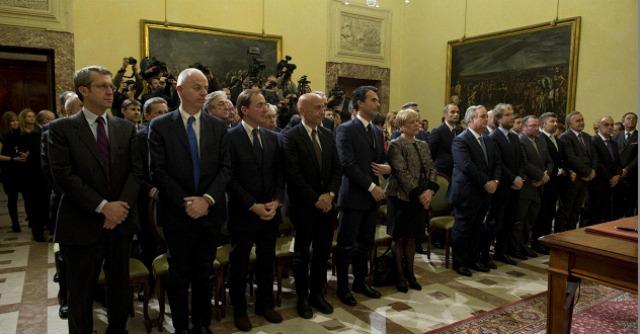 Renzi parte con 5 indagati e 24 riciclati. Alla Giustizia nomi graditi a Berlusconi