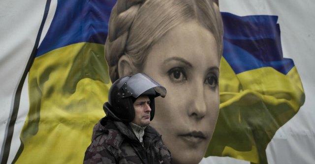 Ucraina, fedelissimo di Timoshenko presidente. Ordinato arresto Yanukovich