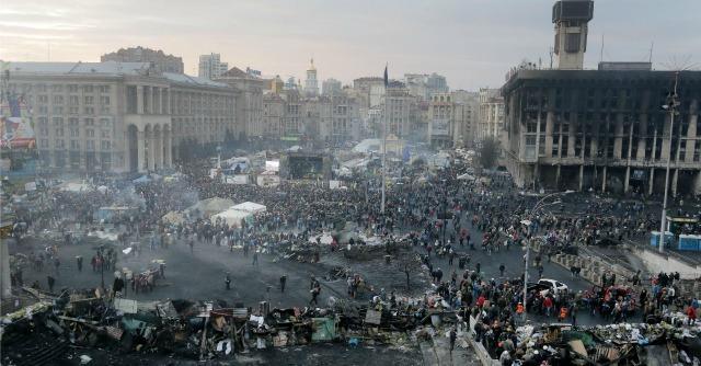 """Ucraina, firmato l'accordo. Yanukovich: """"Voto anticipato e governo di coalizione"""""""
