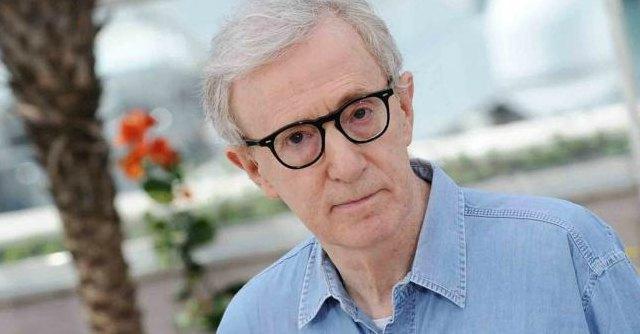 """Woody Allen al New York Times: """"Non ho molestato mia figlia Dylan"""""""