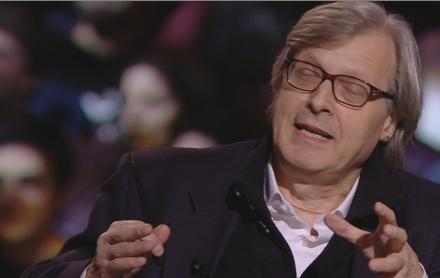 """Servizio Pubblico, Sgarbi su canzone bimbi per Renzi: """"Quasi pedofilia"""""""