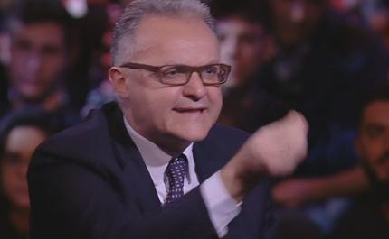 """Servizio Pubblico, Gino Strada vs Mauro: """"E' come discutere con l'aspirapolvere"""""""
