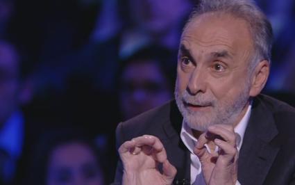 """Servizio Pubblico, Remuzzi: """"In Italia abbiamo eccellenze nella sanità"""""""