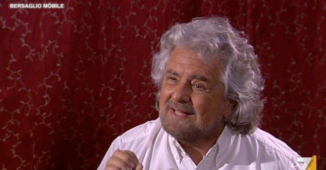 """Grillo: """"Bersani? Volevano mandarlo al macello. Letta era già pronto: ho le prove"""""""