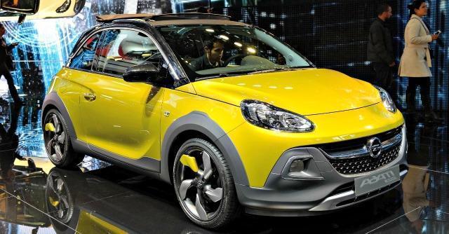 Opel Adam Rocks strizza l'occhio ai Suv: paraurti rinforzati e tettuccio apribile