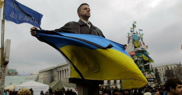 Ucraina, Putin blocca offensiva militare. Usa applicano sanzioni alla Russia