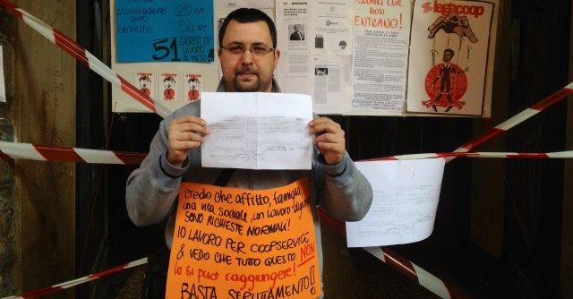 """Università Bologna, protesta dipendenti Coopservice: """"Noi pagati 3 euro all'ora"""""""