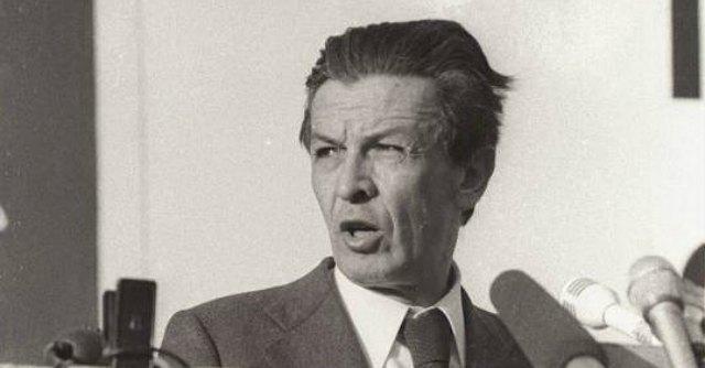 Il Partito democratico santifica Berlinguer ma non pensa a Genovese