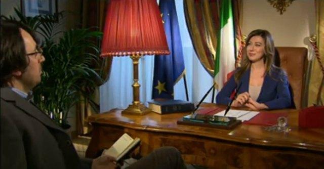 Pd, il renziano Anzaldi protesta contro la satira Rai sul ministro Maria Elena Boschi