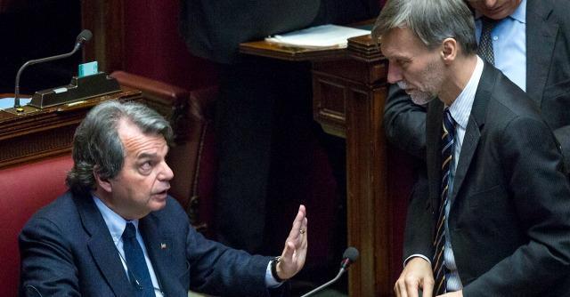 """Governo Renzi, M5s e Forza Italia: """"Taglio tasse? Non ci sono le coperture"""""""