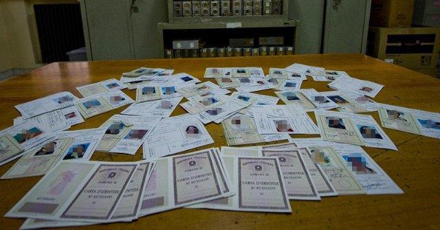 """Caserta, """"record di carte di identità false"""" nel Comune sciolto per camorra"""