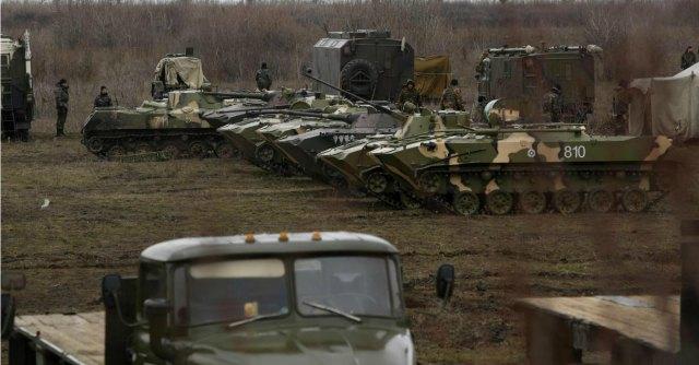 """Ucraina, Putin chiama Obama. La Casa Bianca: """"Russia ritiri le truppe"""""""