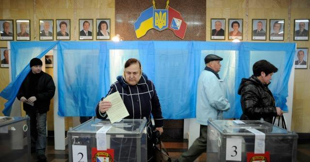 """Referendum Crimea è plebiscito: """"Tornare con Russia"""". Ue e Usa: """"E' illegale"""""""