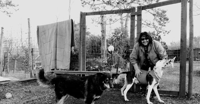 Da interprete di Aldo Moro e dei potenti al rifugio dei cani. La storia di Gloria Canevazzi