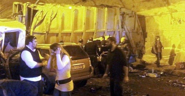 Sicilia, incidente in galleria sull'autostrada: quattro morti, c'è anche una bimba