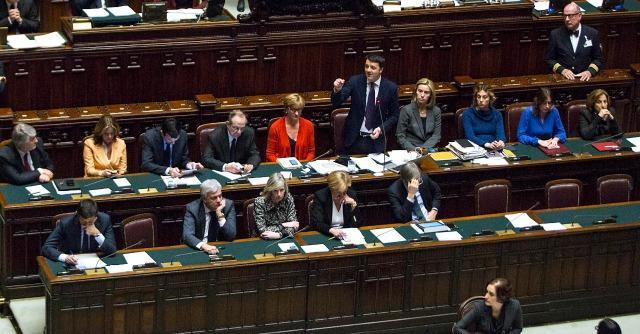 Italicum alla Camera: Pd in ordine sparso. Renzi si salva grazie a 23 ministri e vice