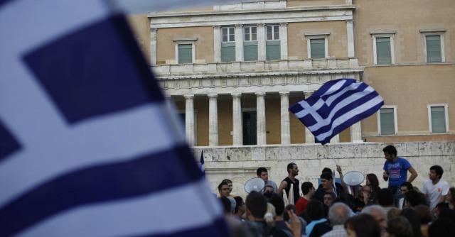Crisi Grecia, Atene torna al baratto. Il biglietto del teatro si paga con pasta e pane