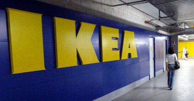Ikea, bimbo di tre anni muore soffocato da hot dog. La procura di Roma indaga