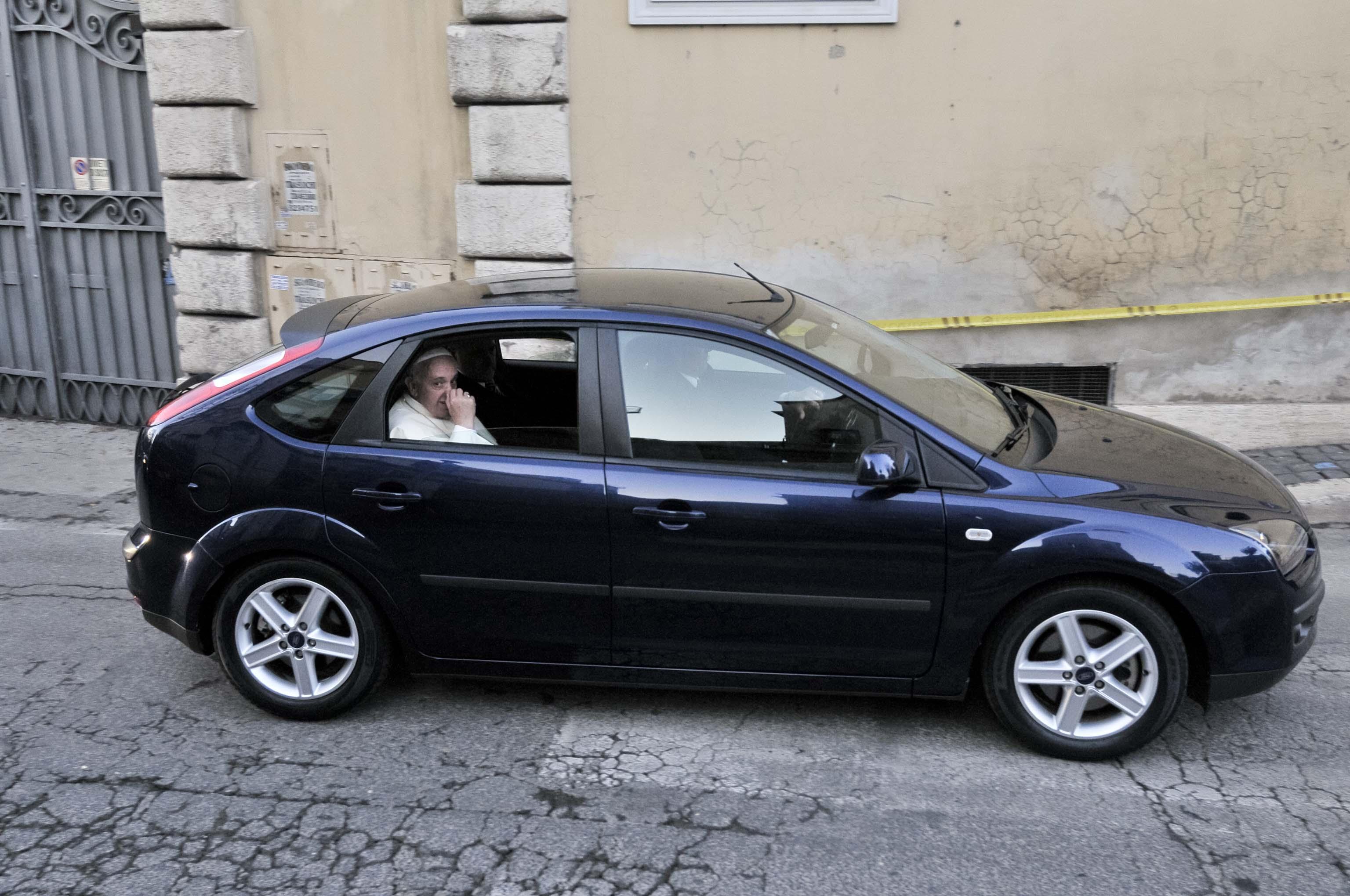 Vaticano la casta dei politici va a messa da papa for Costo del garage di una macchina