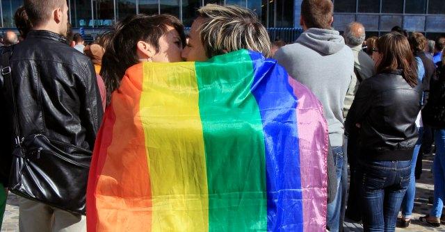 Matrimonio In Inghilterra : Regno unito il matrimonio gay entra in vigore festa in