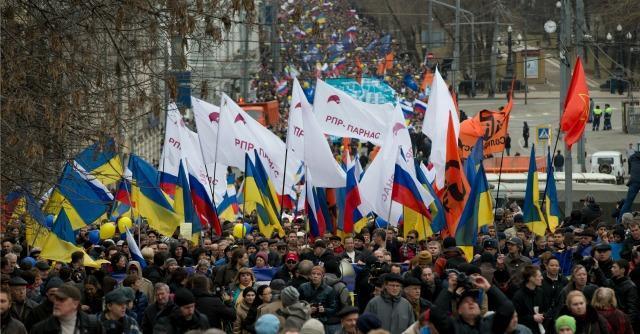 """""""Russia e Ucraina senza Putin"""", 50mila pacifisti manifestano a Mosca"""