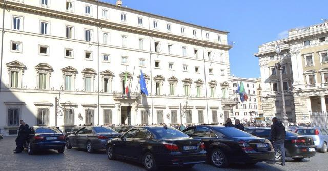 """Spending review, Cottarelli: """"Tagli ad auto blu, sedi Rai, polizia e pensioni"""""""