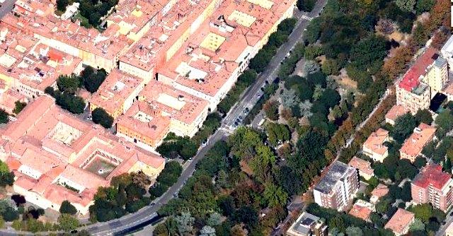 'Guerra dei chioschi' a Modena: cittadini in rivolta contro cemento in parco secolare