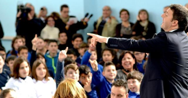 Matteo Renzi in una scuola di Siracusa