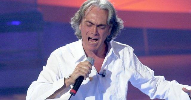 """Riccardo Fogli canta a Sebastopoli: """"Aria di festa. Sembra concerto 1° maggio"""""""