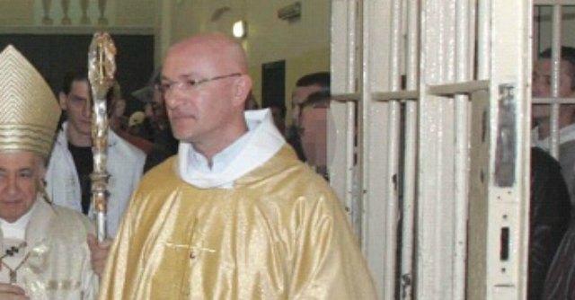 Violenze sessuali, quattro anni all'ex cappellano del carcere di San Vittore