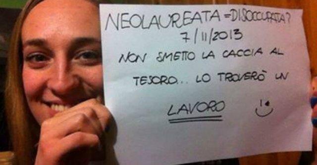 Brescia, il selfie di protesta degli infermieri neolaureati (e disoccupati)