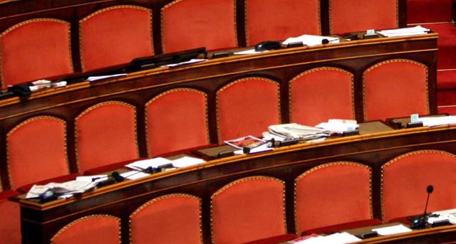 """Immunità ai senatori, minoranza Pd e M5S: """"Frutto di scambio con Forza Italia"""""""