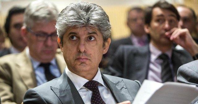 Telecom, Patuano prepara la guerra a Fossati. In ballo c'è uno stipendio da 1 milione