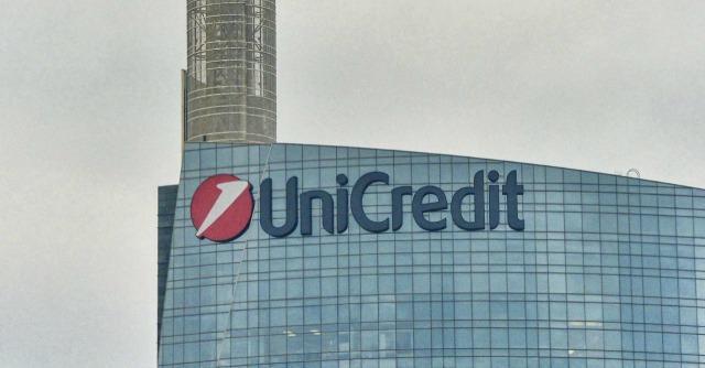 """Banche, Unicredit e Intesa firmano accordo per una """"bad bank"""" comune"""