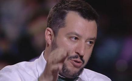 """Servizio Pubblico, Salvini: """"Chi occupa una casa ruba un diritto ad un'altra persona"""""""