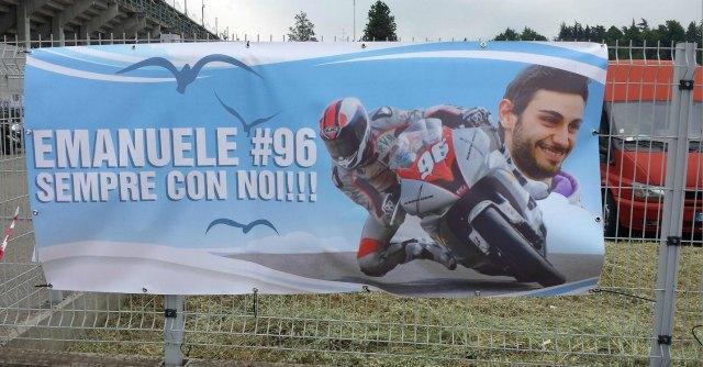 Funerale Cassani, l'ultimo saluto per il pilota di 25 anni è all'autodromo di Imola