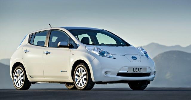 Nissan Leaf elettrica, sconto di 5.000 euro. Ma la ricarica rapida lascia fuori l'Italia