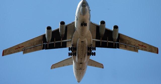 Aereo Privato Iran : Iran aereo militare usa costretto ad atterrare da due jet