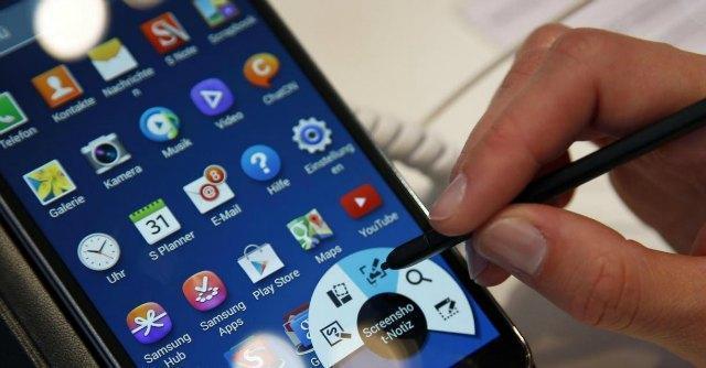 Acquisti sul cellulare, addio (forse) a spam e sms molesti con nuove regole su privacy