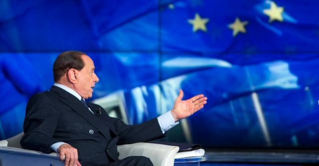 """Sondaggi elettorali, Berlusconi ai domiciliari? """"Aumenterebbe i suoi voti"""""""