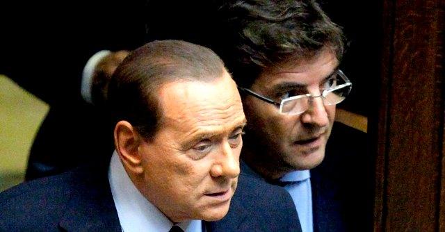 """Cosentino e i suoi: """"Se Silvio continua così, noi diventiamo renziani"""""""