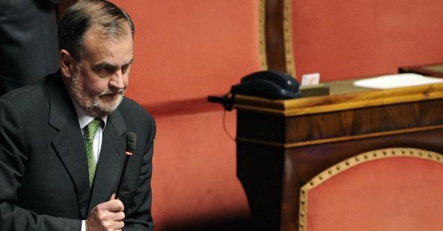 """Voto di scambio, Calderoli annuncia la """"ghigliottina"""": """"Subito al voto"""""""