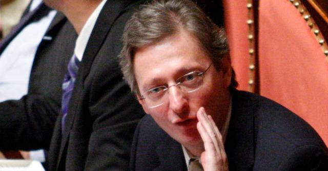 Senato, Pd vota no a uso intercettazioni di Azzollini. Casson si sospende dal partito