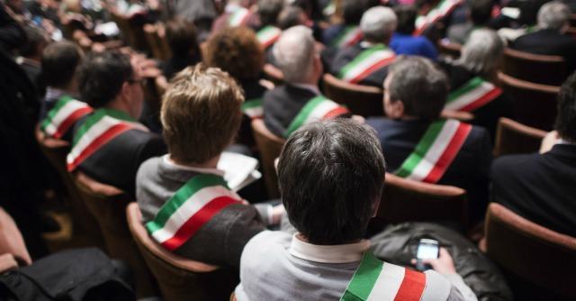 Abolizione Province, dieci miliardi di euro di guai in arrivo per i Comuni