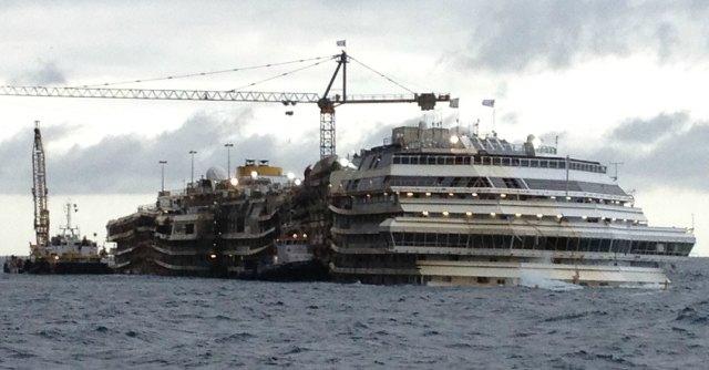 """Concordia, bloccata rimozione al Giglio: """"Stop finché non si conosce destinazione"""""""
